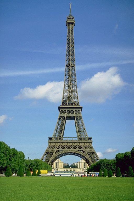 Высота эйфелевой башни составляет 324